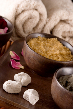 Full body brown sugar scrub,  A day at the spa… right at home, naturally!